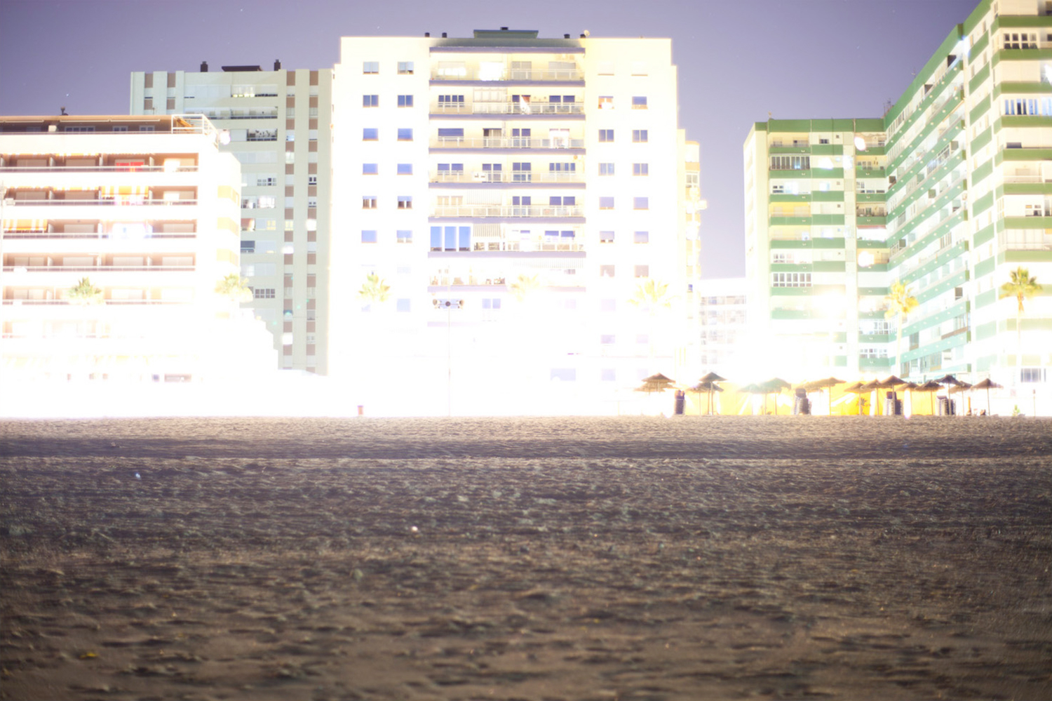 Night sea and buildings photograph in Cadiz by Victor Hugo Martin